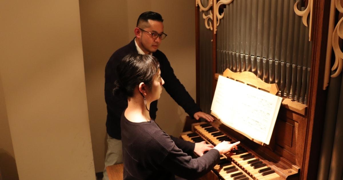 もう一度パイプオルガンを弾きたい! オルガン練習室で近藤岳さんに ...